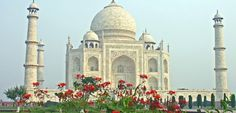 Discover the Wonders of Taj Mahal with our same day Taj Mahal tour by train from Delhi. Explore the iconic history of Taj Mahal with Padma Holidays. Empire State, Nepal, Big Ben, Le Taj Mahal, Visit India, India Tour, Le Palais, By Train, Famous Places