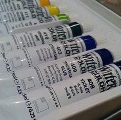 Got a present from my cycling buddy who've just got back from South Korea. Shinhan Professional Watercolor pigments set. Fine-grained but rather opaque and mixed rather too smoothly for me (I love blotchy textured uneven color mixing). This pigment set is perfect for anime-styled illustrations. #watercolor #shinhan