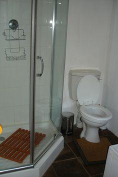 Timber Chalet 1 Bathroom