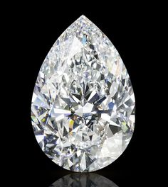 This beautiful carat pear-cut diamond was cut from a 314 carat rough stone unearthed in Lesotho. Hope Diamond, Raw Diamond, Uncut Diamond, Emerald Cut Diamonds, Colored Diamonds, Diamond Cuts, Most Expensive Stone, Expensive Stones, Vogue Paris