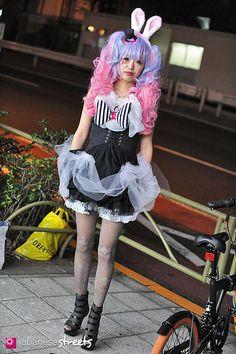 121104-5882 - Japanese street fashion in Sangenjaya, Tokyo