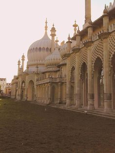 Brighton's pavillion, UK  by J. Cattaneo