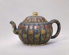 History and Gallery of Yixing Purple Sand Teapots. Beijing, Stone Age Art, Yixing Teapot, Jasmine Green Tea, Teapots Unique, Japanese Calligraphy, Chinese Tea, Tea Art, Chinese Ceramics