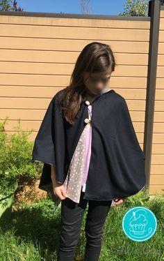 Je partage avec vous mon tuto pour créer une cape à capuche pour le printemps. J'ai dessiné et fabriqué cette cape pour Miss Fil et Croq, qui ne la quitte plus