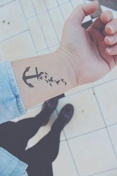 """""""Mi tatuo un'ancora con le rondini, perchè ho toccato il fondo ma sogno di volare via da questi disordini."""""""