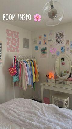 Pastel Room Decor, Indie Room Decor, Cute Room Decor, Teen Room Decor, Pastel Bedroom, Teen Rooms, Room Design Bedroom, Room Ideas Bedroom, Bedroom Decor