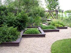 Декоративный огород смалиной
