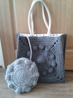 Zeeuwse knop tassen. Met patroon! Crochet Square Patterns, Knitting Patterns, Crochet Handbags, Knitted Bags, Crochet Clothes, Knit Crochet, Embroidery, Handmade, Stitches