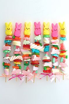 Easter Candy Kabobs easter gifts Homemade Easter Candy Better Than Store Bought Easter Snacks, Easter Candy, Hoppy Easter, Easter Brunch, Easter Treats, Easter Recipes, Easter Subday, Easter Food, Easter Gift