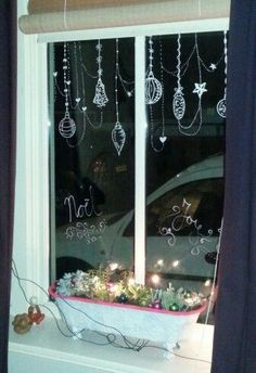 Give your windows a little Christmas feeling with window markers! Christmas Window Display, Christmas Window Decorations, Christmas Porch, Diy Christmas Gifts, Simple Christmas, Christmas Holidays, Christmas Wreaths, Christmas Window Paint, Christmas Windows