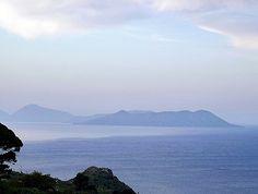 Tindari (Me) - Le Isole Eolie viste dal promontorio del Santuario della Madonna Nera