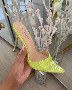 Dr Shoes, Sock Shoes, Me Too Shoes, Shoes Heels, Pumps, Stilettos, Formal Shoes, Luxury Shoes, Types Of Shoes