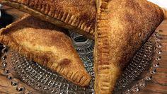 Kersenflappen met banketbakkersroom - Rudolph's Bakery | 24Kitchen heel simpel om te maken.
