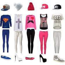Este tipo de ropa ya te dice que te tienes que poner y combinar. Es ropa pa' salir a la calle, quedar con tus amigos...etc