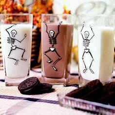 Dancing Skeletons ~ Enliven glassware for Halloween w/ dancing skeletons!  Click for info & free patterns!  =)