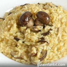 Learn how to cook/make Mushroom Risotto. Recipe of Mushroom Risotto with ingredients and cooking instruction. Salmon Recipes, Veggie Recipes, Beef Recipes, Appetizer Recipes, Vegetarian Recipes, Cooking Recipes, Easy German Recipes, Italian Recipes, Filet Mignon Chorizo
