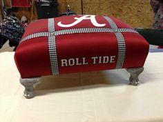 I want this RTR Ottoman Soooo freakin' bad! Roll Tide Football, Crimson Tide Football, Alabama Football, Alabama Crimson Tide, College Football, Football Rules, Alabama Bedroom, Alabama Decor, Sweet Home Alabama