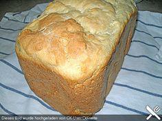 Griechisches Bauernbrot http://www.chefkoch.de/rezepte/1140841220343994/Griechisches-Bauernbrot.html  1 TL Trockenhefe 400 g Weizenmehl, Type 405 1 TL Salz 1/2 TL Zucker 20 ml Olivenöl 250 g Joghurt (3,5 % Fett)