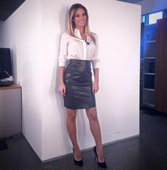 Amateur blonde in black leather pencil skirt. Sexy Dresses, Sexy Outfits, Fashion Outfits, Sexy Rock, Black Leather Pencil Skirt, Satin Blouses, Leather Dresses, Sexy Skirt, Blouse Outfit