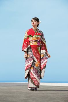 Japan Girl, Traditional Outfits, Kimono Top, Kawaii, Yuzen, History, Formal, Clothes, Tops