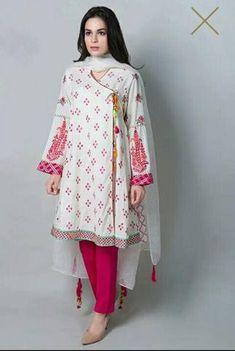 Maria B Lawn Suit, Ladies Designer Replica, Online Clothes Shopping. Simple Pakistani Dresses, Pakistani Fashion Casual, Pakistani Dress Design, Pakistani Outfits, Pakistani Clothing, Pakistani Bridal, Indian Outfits, Indian Fashion, Stylish Dresses For Girls