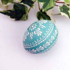 Polish Easter, Egg Shell Art, Easter Egg Designs, Ukrainian Easter Eggs, Egg Art, Egg Decorating, Easter Crafts, Painted Rocks, Diy And Crafts