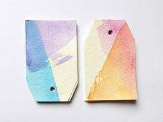Geschenkanhänger im Aquarell-Look: #Geschenkanhänger #DIY; # gift tags #anthropologie #hack