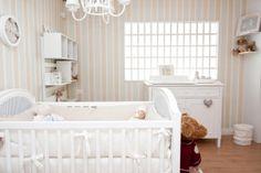 Quarto de Bebê Bordado de Fita by Atelier Rastro de Tinta - Decoração de Quartos de Bebês - Guia do Bebê