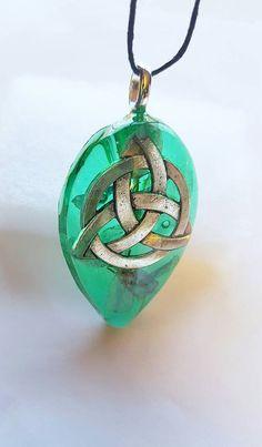 Celtic Triqueta Symbol Real Flowers Nature Necklace Resin Pendant  https://www.etsy.com/listing/499004301/celtic-triqueta-symbol-real-flowers