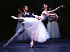Svetlana Zakharova and Roberto Bolle in Giselle