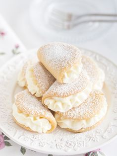 Pin on Beauty Pin on Beauty Baking Recipes, Cookie Recipes, Dessert Recipes, Polish Desserts, Delicious Desserts, Yummy Food, Best Italian Recipes, Dessert Drinks, Sweet Recipes