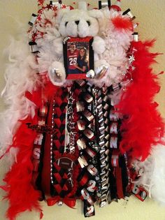 Place your order today, have it ready for your homecoming. Any questions? at (512)709-5440  Order Today, We Ship!  Featured on Fox Hit TV Show GLEE Homecoming Episode. We've been making fabulous homecoming mums and garters for 10 years based in Austin and RGV, shipping nationwide. Visit, www.stephaniesmumshop.com