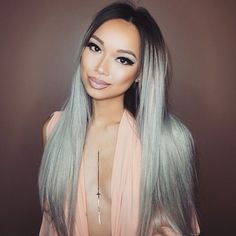 Angexla looking gorgeous in her toned BELLAMI Ash Blonde set! She used our Tone Mi: Sky Violet duo set to tone out yellow undertones, and reveal beautiful silver strands! Use code 'angexla' for savings!
