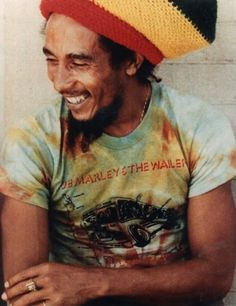 Bob... I love that he's wearing his own shirt :) this guy never fails on feel good music.