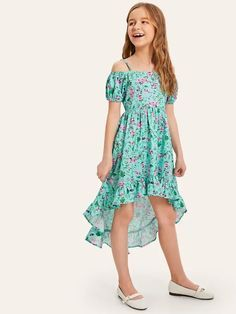 To find out about the Girls Ruffle Ditsy Floral Dip Hem Cami Dress at SHEIN, part of our latest Girls Dresses ready to shop online today! Girls Dresses Online, Cute Girl Outfits, Little Girl Dresses, Girl Dress Patterns, Fit N Flare Dress, Kind Mode, Baby Dress, Dress Girl, Ideias Fashion
