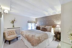 2 bedroom flat to rent Earls Court Square, Earls Court, SW5 £895 pw| £3,878 pcm