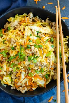 This Egg Roll in a Bowl recipe is loaded with Asian flavor and is a Paleo gluten-free dairy-free and keto recipe to make for an easy weeknight dinner. From start to finish you can have this healthy and low-carb dinner recipe ready in under 30 minutes! Low Carb Dinner Recipes, Keto Dinner, Easy Healthy Recipes, Paleo Recipes, Easy Meals, Cooking Recipes, Healthy Ground Chicken Recipes, Easy Ground Turkey Recipes, Healthy Family Dinners