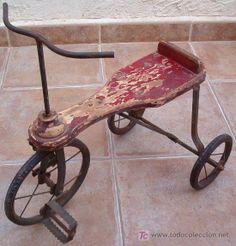 Triciclo antiguo , 1930 aprox.. Triciclo de madera y hierro. Bicicleta. Juguete (Juguetes - Varios)