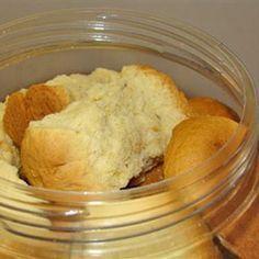 Soos met die resep vir karringmelkbeskuit, glo ek nie aan al die moeite van beskuit in bolletjies rol en in die pan pak nie. Dit is baie makliker om dit bloot as 'n brood te bak, en net netjies op … Buttermilk Rusks, Buttermilk Cookies, Rusk Recipe, Hard Bread, Healthy Breakfast Snacks, South African Recipes, Different Recipes, No Bake Cake, Cooking Recipes