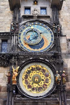Historic Centre of Prague --World heritage. A must see for your trip to Prague. Backpacking Europe, Prague Attractions, Travel Around The World, Around The Worlds, Places To Travel, Places To See, Prague Astronomical Clock, Old Town Square, Czech Republic