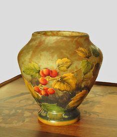 OnlineGalleries.com - Daum beautiful vase