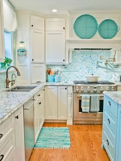 House of Turquoise: Kevin Thayer Interior Design Everything will be turquoise in my future home! House Design, House, Home, Beach House Kitchens, Kitchen Remodel, Kitchen Decor, Interior Design Kitchen, Home Kitchens, Home Interior Design