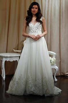 Each look in Badgley Mischka Bride's latest collection has its own distinct personality, but it was this vintage-inspired stunner that stole our hearts.