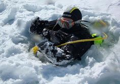 This adventure combines skiing down to a frozen lake or pool then scuba diving under the ice. Ski Diving, Scuba Diving, Mtv, Andorra, Mount Everest, Skiing, Adventure, Pyrenees, Travel Tips
