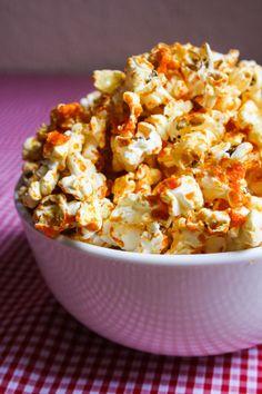 Garlic Sriracha Popcorn @Lauren Davison Davison Davison Pinkerton .. I know mike and his sriracha haha