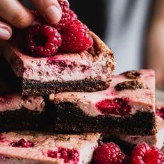 Naposledy som sa vs ptala ak spomienky sa vm spjaj Tiramisu, Raspberry, Cheesecake, Fruit, Cakes, Videos, Food, Photos, Instagram