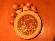 Odrobina sera sprawi że zupa cebulow będzie wyśmienita.