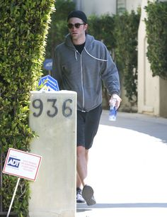 Pin for Later: Robert Pattinson Makes a Hot Appearance After Engagement News