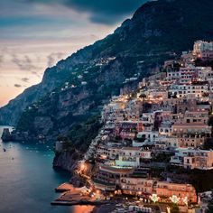 #PANDORAloves ... evening lights in Positano, Italy