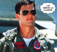 24c3f72fe9 Tom Cruise wearing aviators in the movie Top Gun